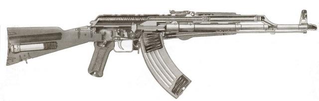 AK47- obra prima na chuva da África, na poeira do Saara, no gelo da Sibéria. Para uns, simbolo libertário. para outros, simbolo de terrorismo.