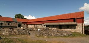 Museu de Hedmark, Hamar, Noruega (Sverre Fehn, 1967) - Foto- Jensens (Wikimedia Commons)