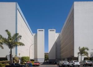 SQS 107/108, Edifícios de apartamento (Oscar Niemeyer, 1959). Foto - Joana França, 2007.