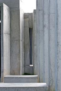 detalhe dos bancos e pilares