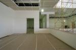 obra: colocação de gesso nas salas de exposição