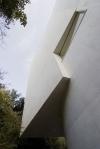 vista externa detalhe volume e janela na fachada sul