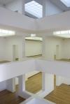 vista interna das salas de exposição e das clarabóias