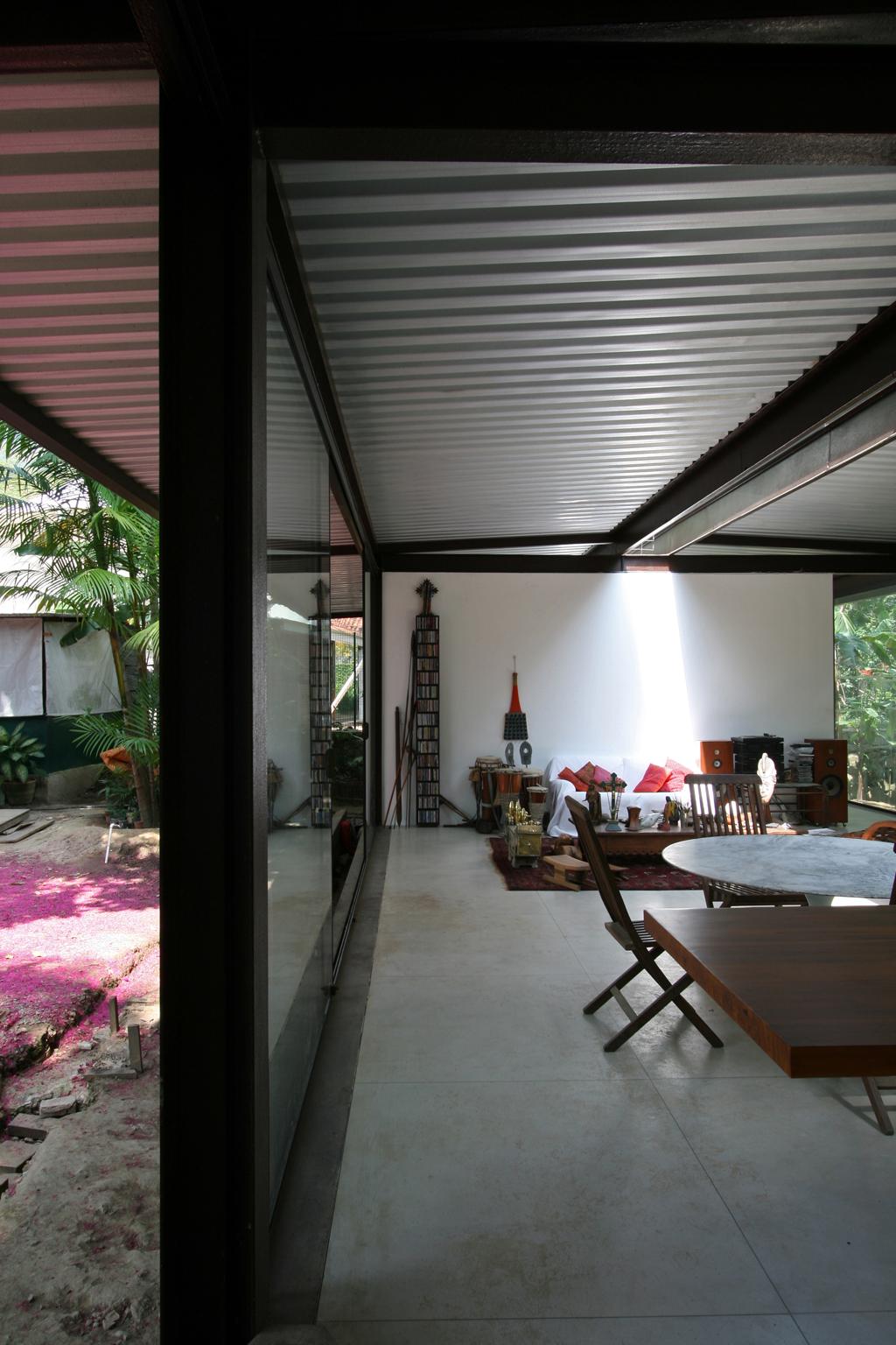 vista jardim e interior da casa #894254 1024x1536 Banheiro Com Vista Para Jardim
