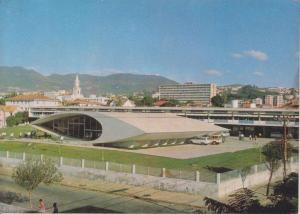 Colégio Estadual Central. Belo Horizonte, Oscar Niemeyer, 1954. Foto: Cartão postal de Belo Horizonte